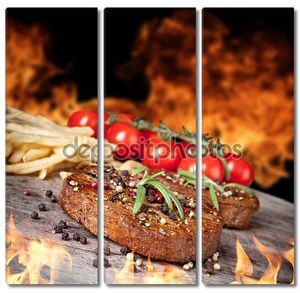 Стейки из говядины с томатами