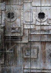 Ржавая металлическая стена