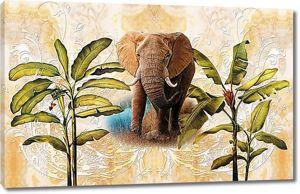 Слон с банановыми пальмами