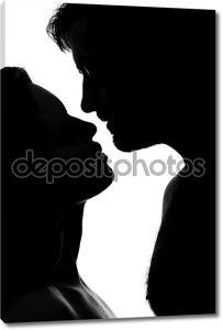 Чувственная пара, целующаяся