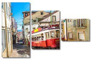 Винтажный трамвай в Лиссабоне