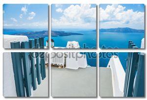 Белая архитектура на острове Санторини, Греция.