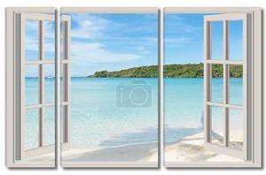 Лето, путешествий, отдыха и праздника концепция - открытое окно
