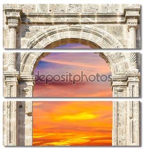 Арка в крепости с видом на закат
