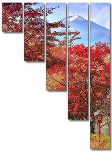 Путь к горе Фудзи осенью