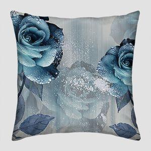 Синие розы с каплями росы