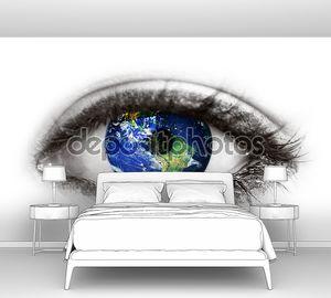 Планета Земля в глазу на белом