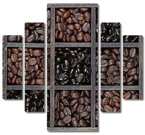 свет темно обжаренный кофе в зернах