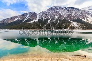 Озеро и Альпы