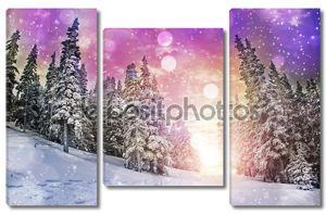Величественные закат в зимний пейзаж горы