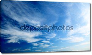 Идеальный голубое небо