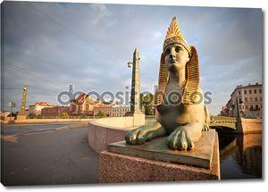 Сфинкс химеры на Египетский мост в Санкт Петербурге