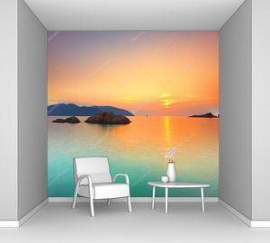 Восход над лазурным морем