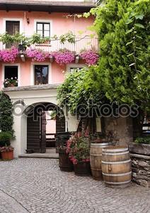 Улица в старом городке швейцарских