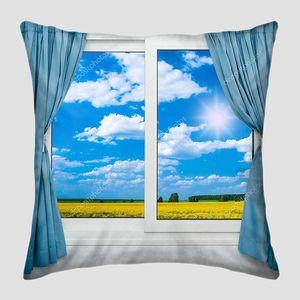 Пейзаж из окна со шторами