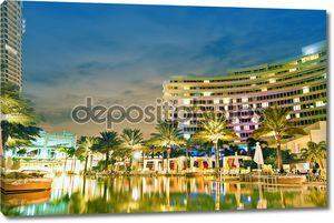 Панорама отель рядом с видом на море