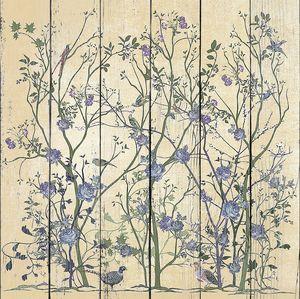Птицы и фиолетовые розы