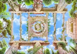 Вид снизу на колонны и облачное небо