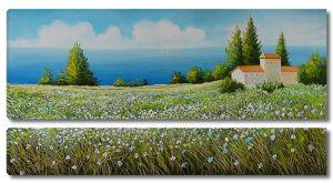 Белый домик на цветущем поле