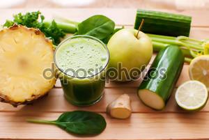 Свежевыжатый зеленый сок