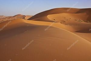 Песчаные дюны в пустыне Сахара