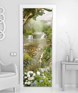 Цветение трав у водопада
