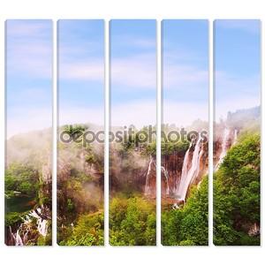 Водопады в тумане