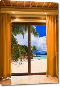 Номер в отеле и пейзаж на пляж