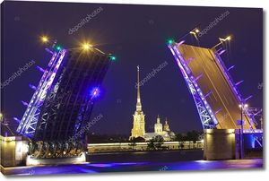 Россия. Символ Санкт-Петербурга - Дворцовый мост развелись