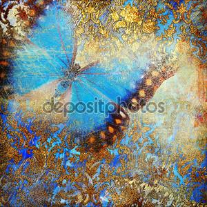 Пестрая старинный фон с бабочками