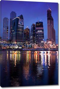 Бизнес-направление Москва-Сити. Ночной вид на реку.