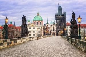 Карлов мост и панораму Праги, Чешская Республика