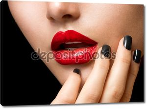 Макияж и маникюр. Черные ногти и ярко-красные губы