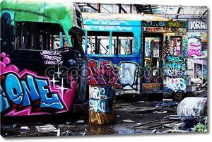 Граффити на старых автобусах