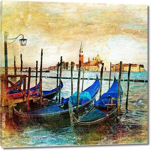 Причал с лодками в прекрасной Венеции