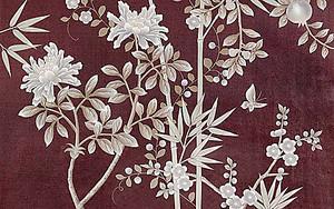 Белые цветы на бордовом фоне