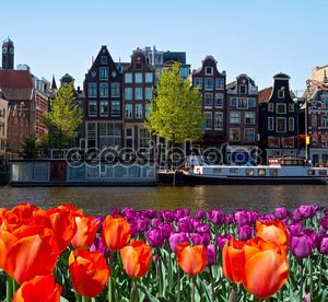 Один из каналов в Амстердаме
