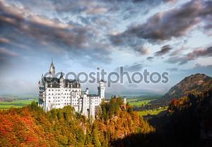 Знаменитый замок Нойшванштайн в Баварии, Германия
