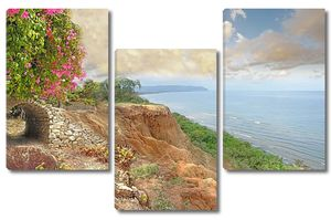 Вид со скалистого берега на море