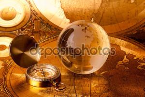 Глобус и компас