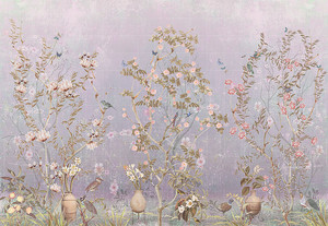 Цветущие кусты в вазах