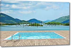 бассейн с прекрасным видом