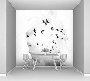 Женская голова и птицы