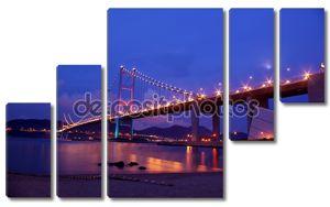 Цин Ма мост в Гонконге в ночное время