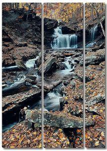 Осенний водопад в парке