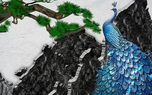 Черный камень, большой синий павлин