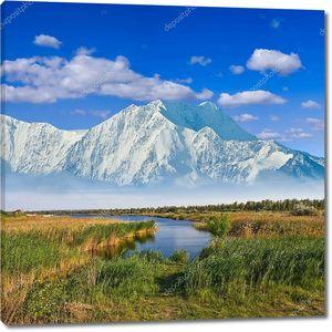 Величественные горы за прериями