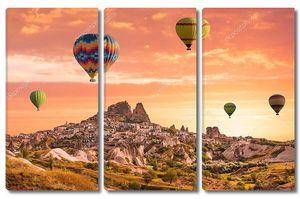 Воздушные шары над долиной Каппадокии