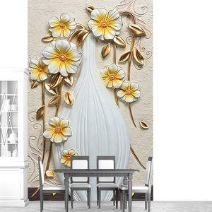 Фарфоровые цветы на бежевом фоне в белой вазе