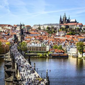 Прага днем